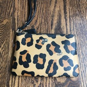 NWOT Coach wristlet ▪️ cute leopard print